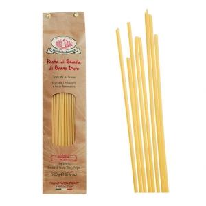 Bucatini - hohle Spaghetti aus Italien