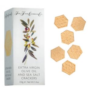 Cracker mit Olivenöl und Meersalz