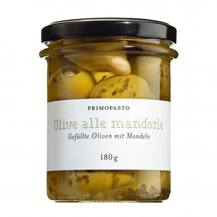 Grüne Oliven gefüllt mit Mandeln