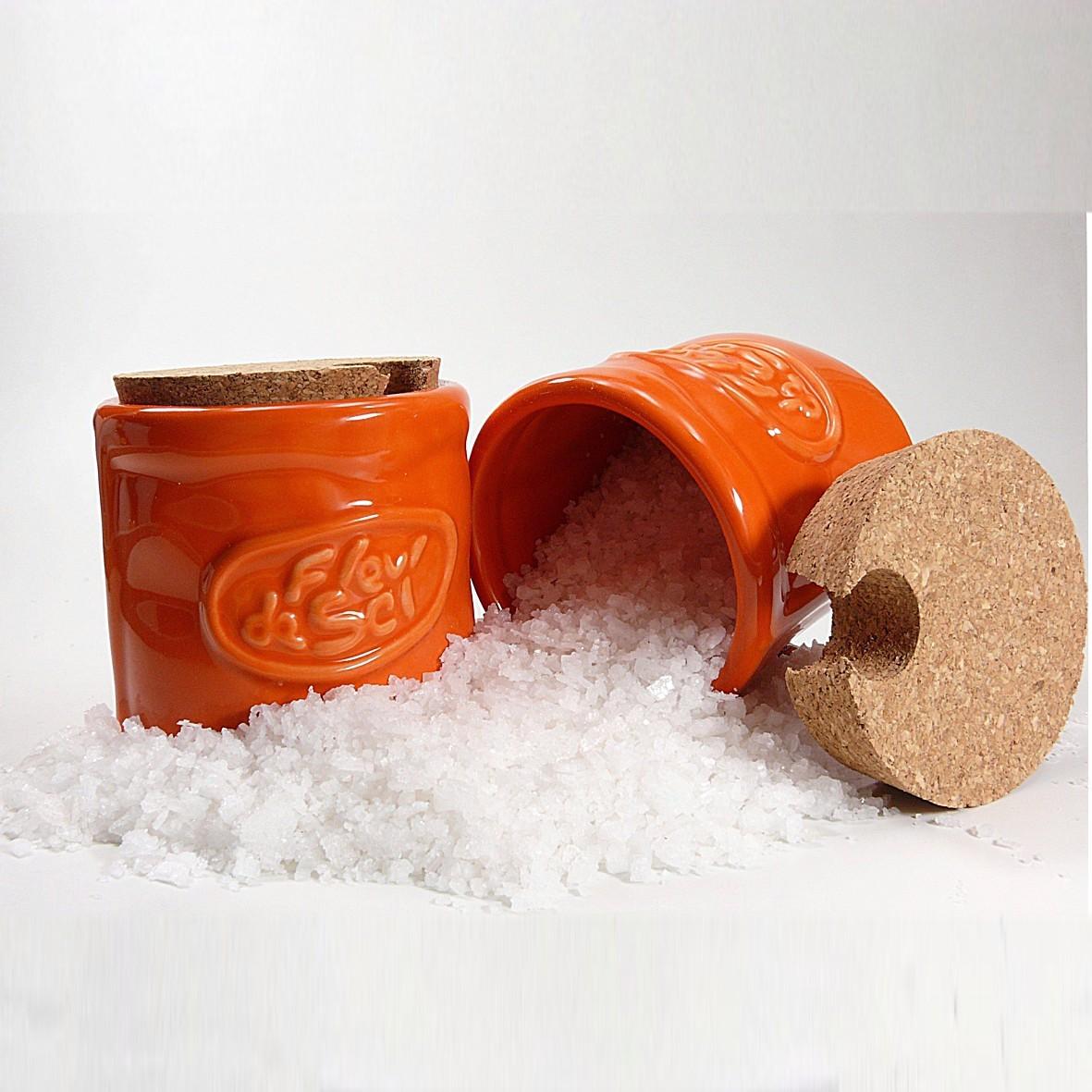 salzpot fleur de sel in orange inklusive 1 holzsch ufelchen. Black Bedroom Furniture Sets. Home Design Ideas