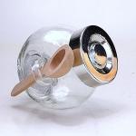 Salzbehälter aus Glas mit Holzlöffelchen